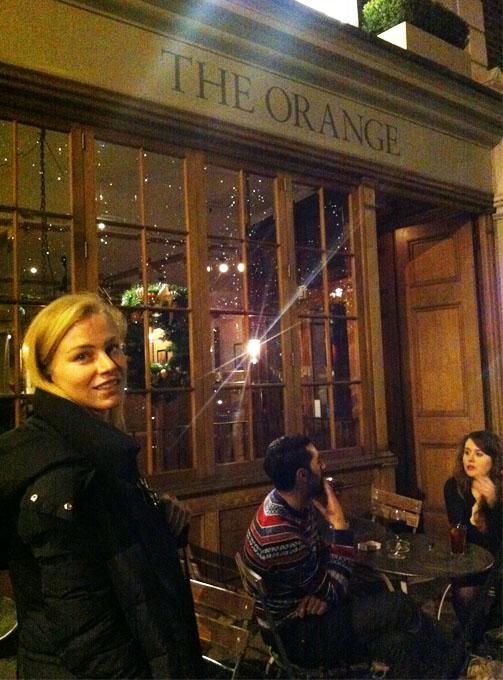 ania orange