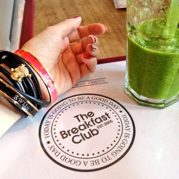 bangles and smoothie breakfast club brunch lunch dinner battersea bar